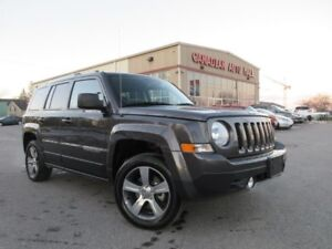2017 Jeep Patriot 4x4 HIGH ALTITUDE, NAV, ROOF, LEATHER!