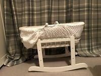 Kinder Valley Moses Basket (with stand)