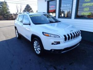 2017 Jeep Cherokee Limited 4x4 w/ Leather & NAV!