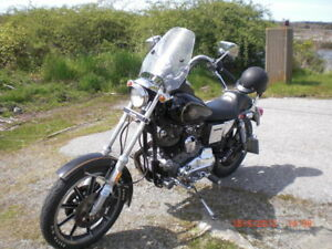 TOTALY REBUILT 1982 HARLEY SPORTSTER.  2500 KMS.  3 YEAR PROJECT