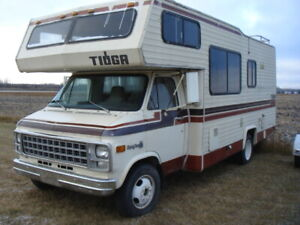 Parting Out: 1980 Chevrolet  G30 Tioga Class C RV/Motorhome