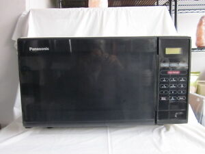 Microwave Panasonic Excellent Condition $35 only!
