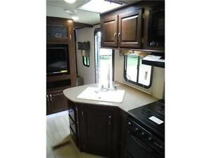 2017 Solaire 240BHS Travel Trailer w Bunkbeds & O/S kitchen Stratford Kitchener Area image 6