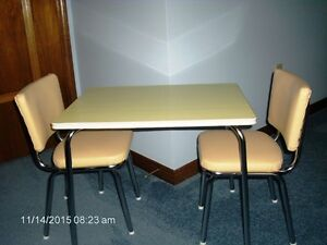 VINTAGE  CHILD'S CHROME  TABLE  &  CHAIRS