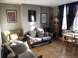 A Spacious bright and airy 4 bedroom apartment in the popular trendy Crouch End area. A must view!
