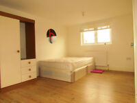 2-LARGE DOUBLE ROOMS TO RENT NEAR MARYLAND & STARTFORD STATION *** LESS DEPOSIT**