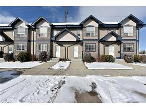 Fantastic Inglewood Townhouse Available NOW!!