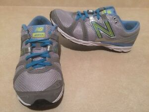 Women's New Balance 690 Running Shoes Size 8.5 London Ontario image 2