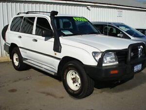 2002 Toyota Landcruiser HZJ105R (4x4) White 5 Speed Manual 4x4 Wagon Northam Northam Area Preview