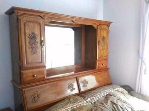 Wood Bedset 5pcs Cambridge Kitchener Area image 1