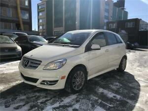 2011 Mercedes B200 Turbo Toit panoramique, Bluetooth, Mags