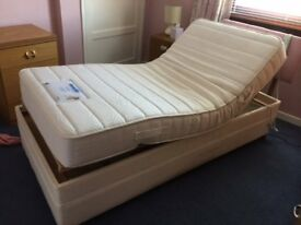 Dunlopillo single electric bed
