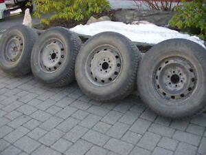 4 rims 17 pouces Ford F-150 avec pneus