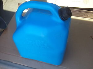5 GALLON KEROSENE FUEL CAN Cornwall Ontario image 2