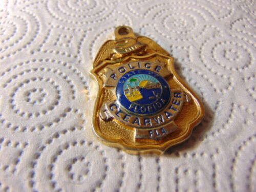 Keychain Florida CLEARWATER Police Medallion Creative Castings Year 2000