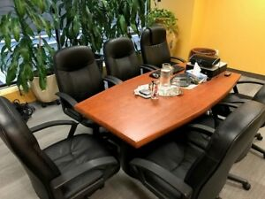 Board/Meeting Room Table & 6  Chairs. Excellent condition