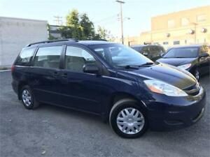 TOYOTA SIENNA CE 2006 AUTO/AC/CRUISE CONTROL/7 PASSAGERS !!