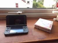 Nintendo 3DS XL with Pokemon Sun and Moon