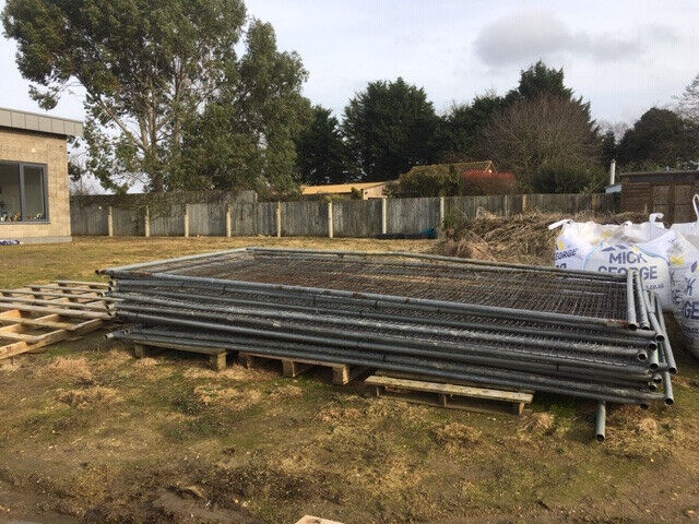 12 Heras Metal Fence Panels With Blocks And Clamps In