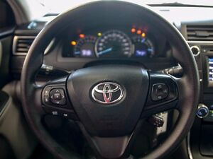 2015 Toyota Camry LE, Touch Screen, Back Up Camera, AUX/USB, Blu Edmonton Edmonton Area image 13