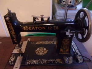 ANTIQUE TREADLE SEWING MACHINE Prince George British Columbia image 3