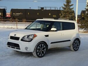 2013 Kia Soul 4U Sunroof,  Back-up Cam,  Bluetooth,  A/C,