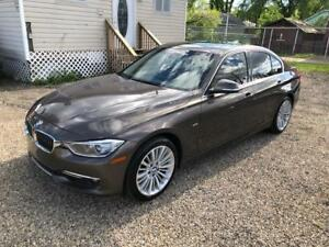 2013 BMW 328i Drive Luxury Line Edition, Loaded, No Accidents