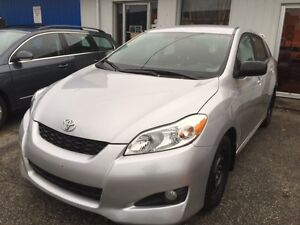 2010 Toyota Matrix,Sport,Loaded,Aux,winter tires 1owner,clean!!!