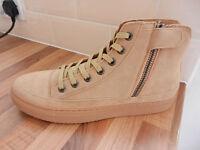 Mens Boots,,£35 ono