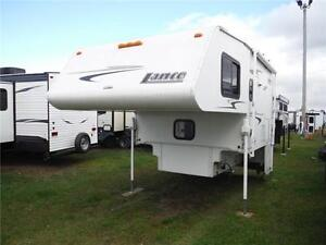 2006 Lance 861 Luxury Truck Camper with Slide & on board genny