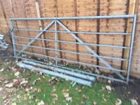 10ft Galvanised Field Gate