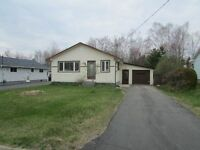 3 BEDROOM BUNGALOW IN GARSON WITH ATTACHED GARAGE!