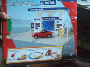 new TOMICA Hypercity Rescue Gas Station Fire,3787