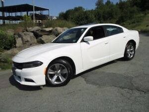 2016 Dodge CHARGER SXT V6 (MOONROOF, ALLOYS, FOGS, HEATED SEATS,
