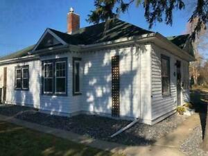 Entire house! Holyrood, close to downtown! Utilities included