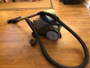 •BISSELL Powerforce Canister Vacuum