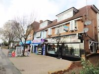 2 Bedroom Flat for Rent in Harmondsworth Bath Road Hounslow with Roof Terrace Open Plan Kitchen