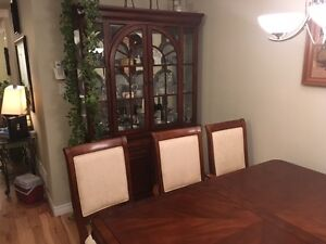 dining table set London Ontario image 2