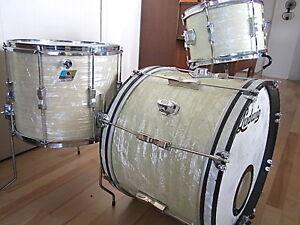 Plein de drums et cymbales à vendre