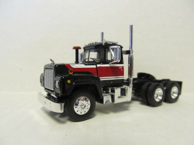 1ST GEAR 1/64 SCALE  R MODEL MACK DAY CAB BLACK, RED & WHITE SAME SCALE AS DCP