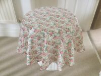 circular flowery chic tablecloths - 15 in total for price