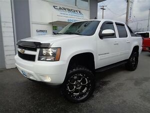 2009 Chevrolet Avalanche LT, Sunroof, LIFTED, 33 Inch Tires