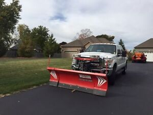 2015 Ford F-250 XLT CREW CAB 4X4 WITH WESTERN WIDEOUT PLOW