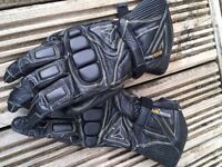 x 1 Pair Black Dainese ladies gloves with yellow trim. Size XS. Excellent condition.