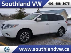 2014 Nissan Pathfinder S **7 PASSENGER ~ LEATHER ~ TOW PACKAGE**