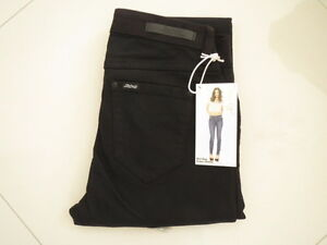 BNWT Riders by Lee  550656- Mid Rise Super Skinny Black Stretch Jeans Size 8
