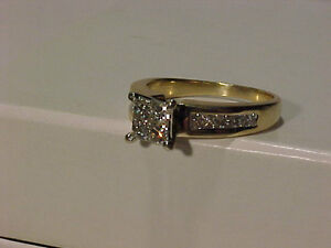 #259-14K STUNNING PRINCESS ENGAGEMENT RING-VS DIAMONDS