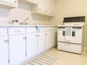 BRIGHT AND SPACIOUS DARTMOUTH ONE BED NEAR DOWNTOWN DARTMOUTH!