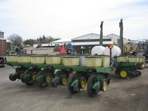 John Deere 7000 Planter Cambridge Kitchener Area image 3