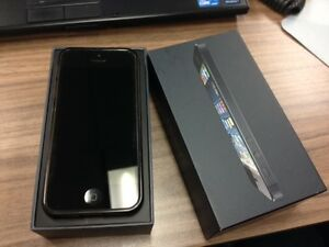 iPhone 5 Unlocked 16 GB,perfect condition